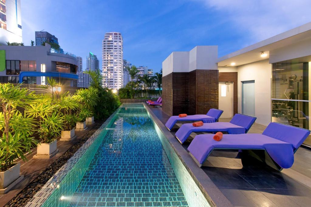The swimming pool at or near Citadines Sukhumvit 11 Bangkok