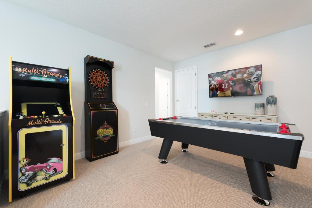 A billiards table at Encore Resort 3202 9 Bedroom Elite Water Park