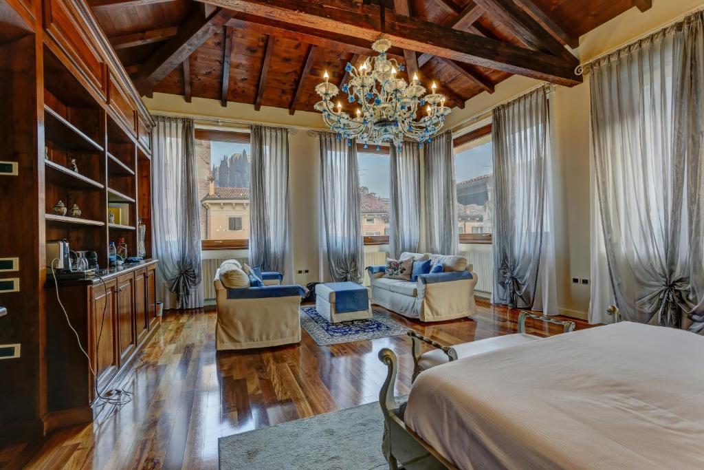 Bed And Breakfast Relais Ponte Pietra Verona Italy