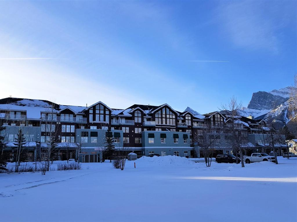 Sunset Resorts Canmore And Spa Canada Booking Com