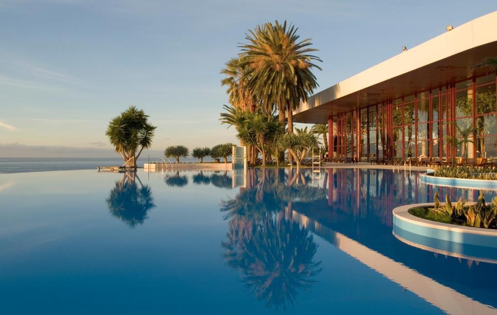 Het zwembad bij of vlak bij Pestana Casino Park Hotel & Casino