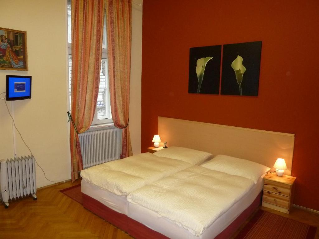 Ein Bett oder Betten in einem Zimmer der Unterkunft Pension Gross