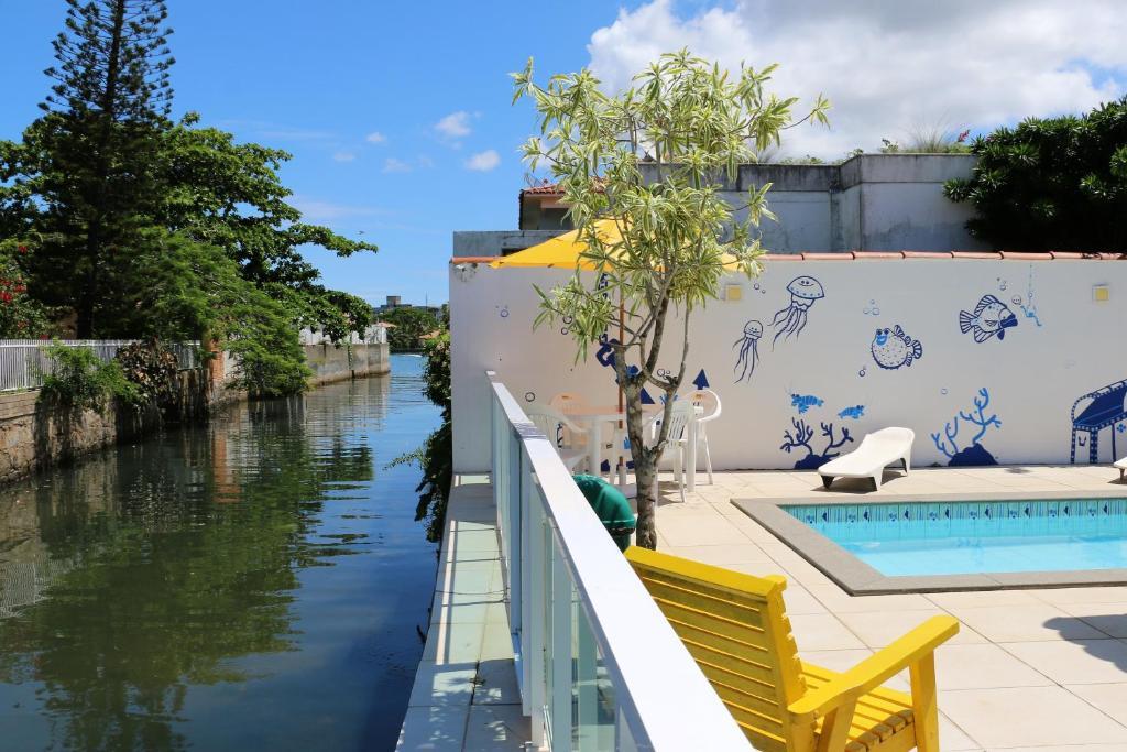 A piscina localizada em Pousada Hostel dos Lagos ou nos arredores