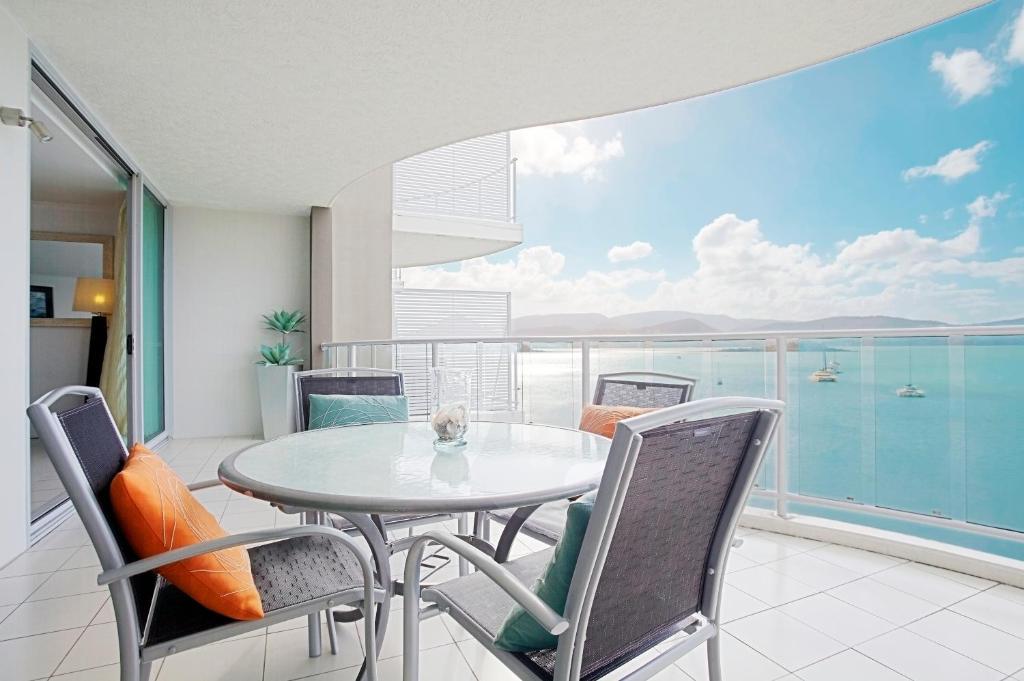 A balcony or terrace at at Marina Shores