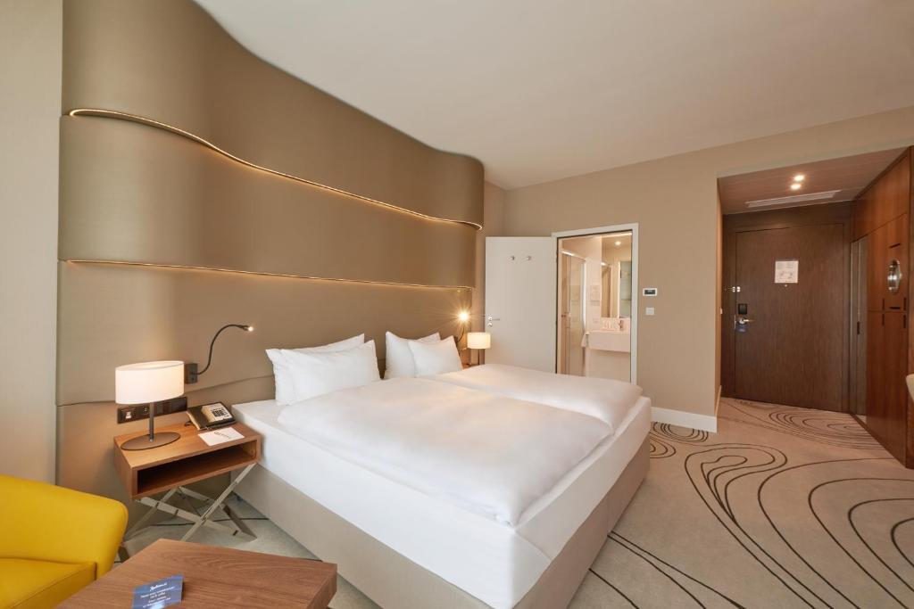 Radisson Hotel & Resort
