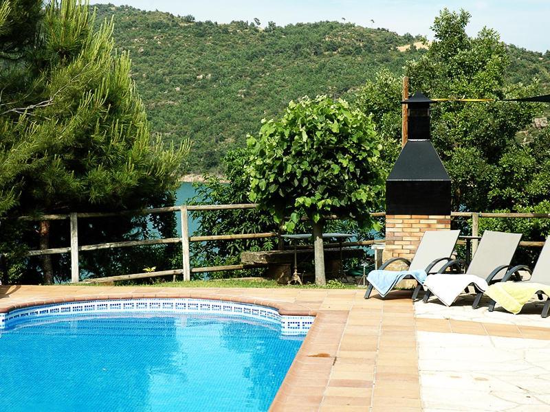 Casa Rural Junto Al Lago (España La Baronia de Rialb ...