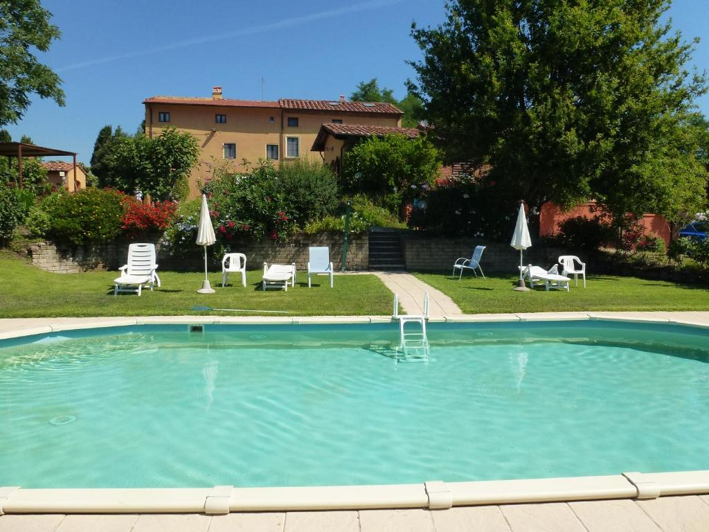 The swimming pool at or close to Agriturismo Poggio al Tesoro