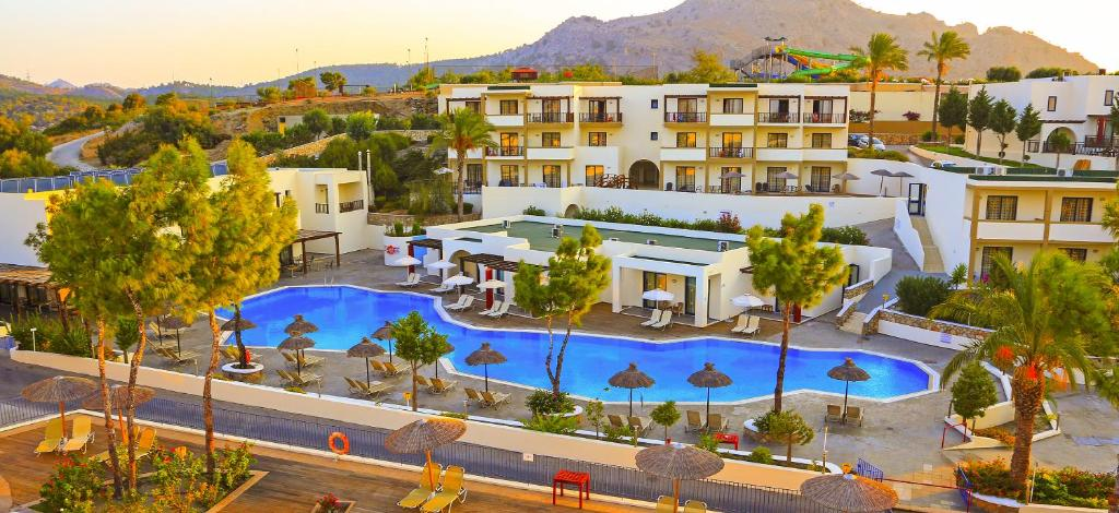 A view of the pool at Labranda Miraluna Village or nearby