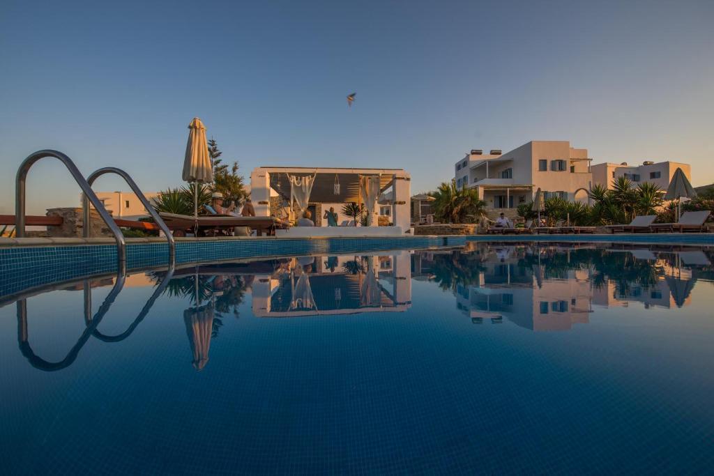 Condo Hotel Kastro Antiparos, Greece - Booking.com