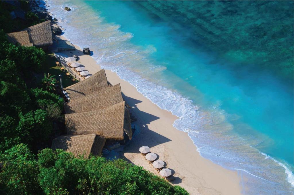 Pohľad z vtáčej perspektívy na ubytovanie The Ungasan Clifftop Resort