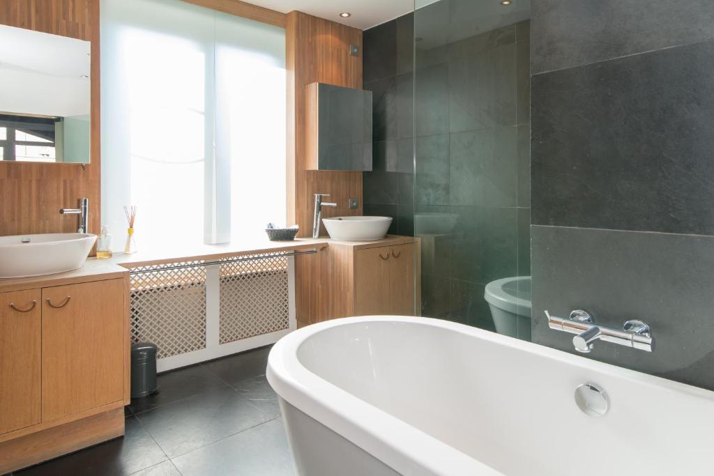 Een badkamer bij App De Panne 2