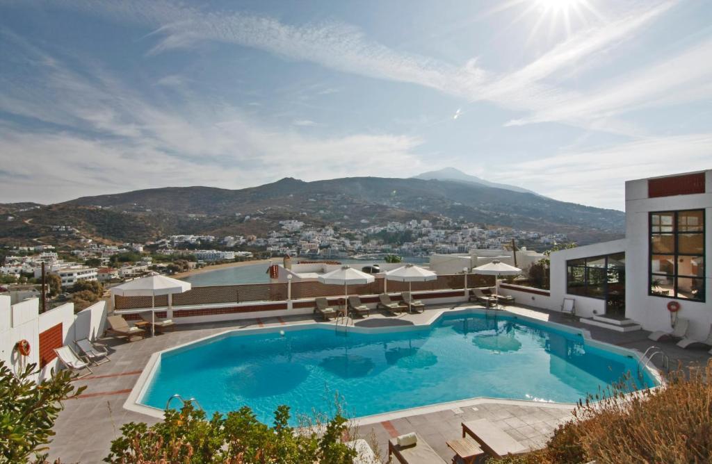 בריכת השחייה שנמצאת ב-Mare Vista Hotel - Epaminondas או באזור