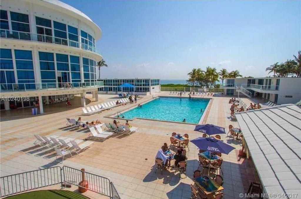 Castle Beach Club Apartments Miami