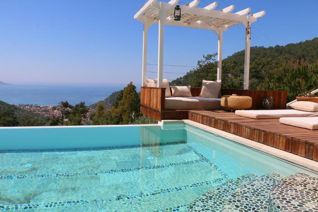 The swimming pool at or close to Ölüdeniz Loft - Adults Only