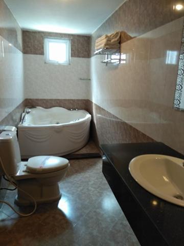 Suite có Giường cỡ Queen với Bồn tắm Spa