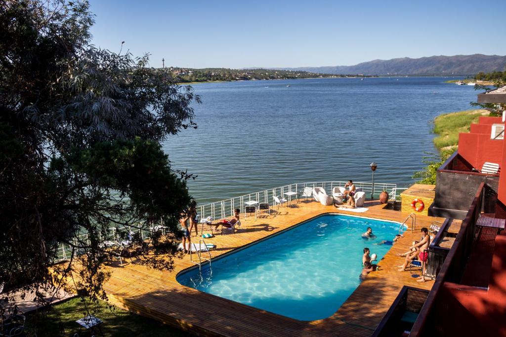A view of the pool at El Ciervo de Oro Hostel or nearby