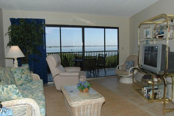 A seating area at Coquina Moorings Three Bedroom Apartment, 106