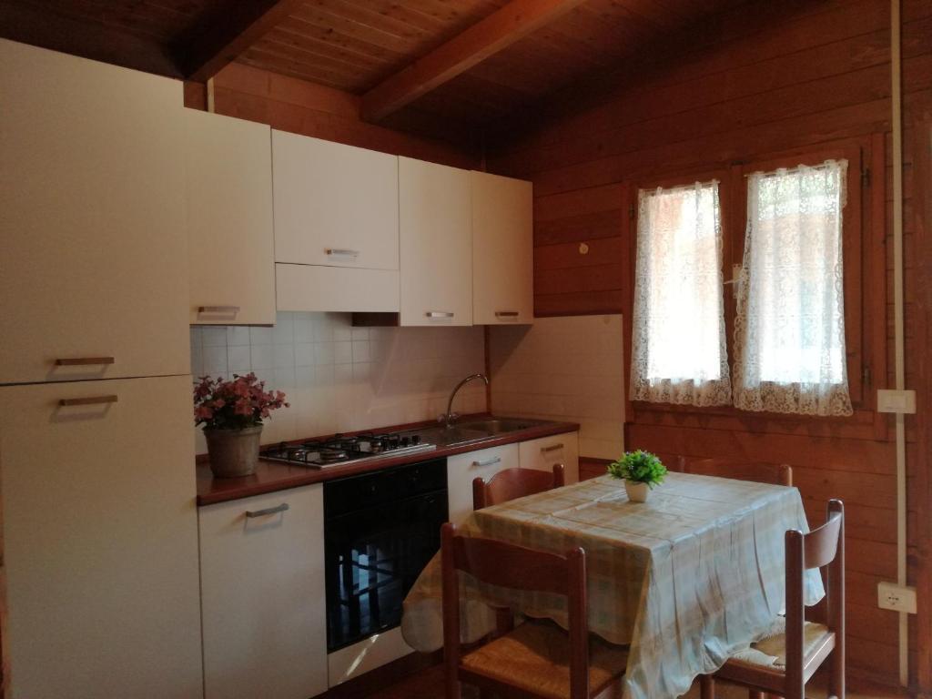 Cucine Usate Massa Carrara.Campeggio Italia Marina Di Massa Prezzi Aggiornati Per Il