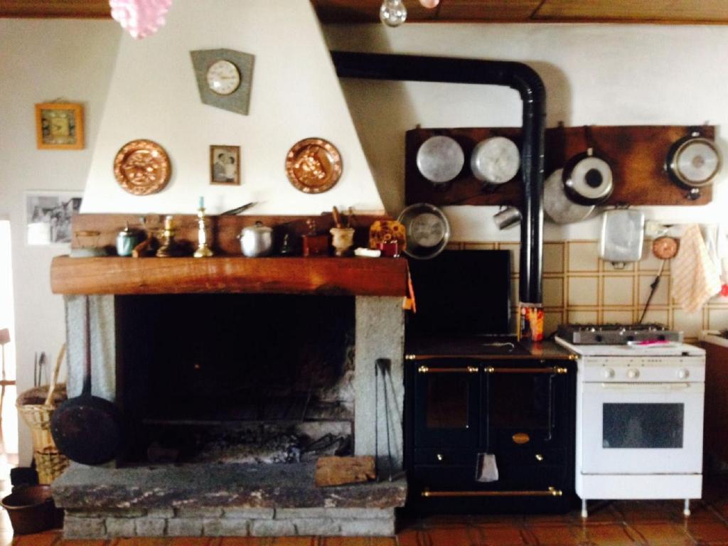 A kitchen or kitchenette at LA CA' D' GUELFO