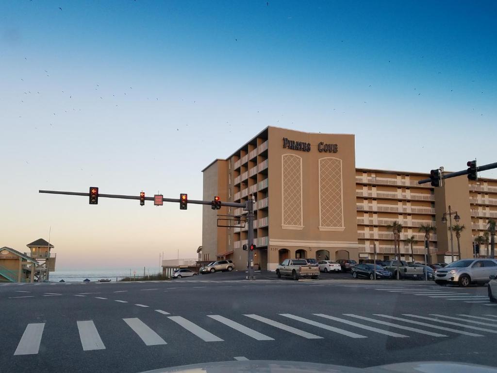 Condo Hotel Pirates Cove Unit 618