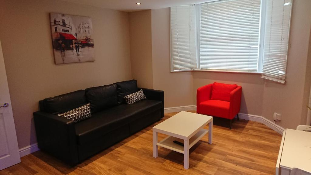 A seating area at Camden Place Apartments