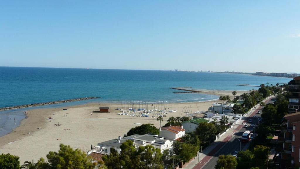 Apartamento primera línea de playa, Benicàssim – Precios ...