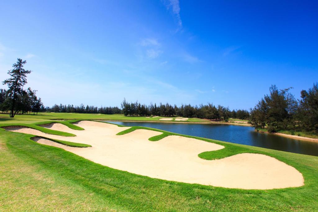 Suite Monty Giường Đôi Trọn Gói Kèm Chơi Golf