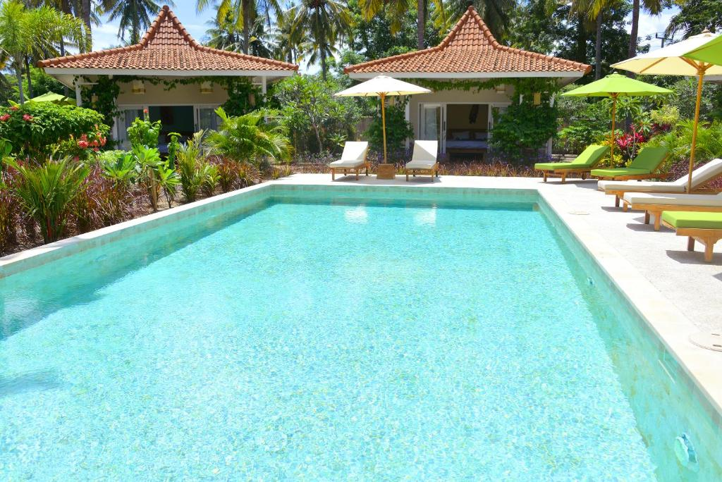The swimming pool at or close to Gili Meno Eden