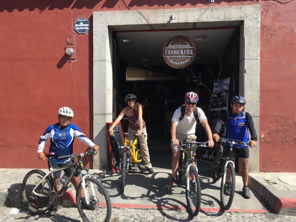 Montar en bicicleta en Frank & Fre o alrededores
