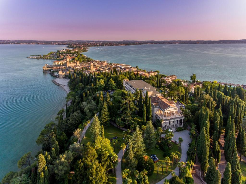 A bird's-eye view of Villa Cortine Palace Hotel
