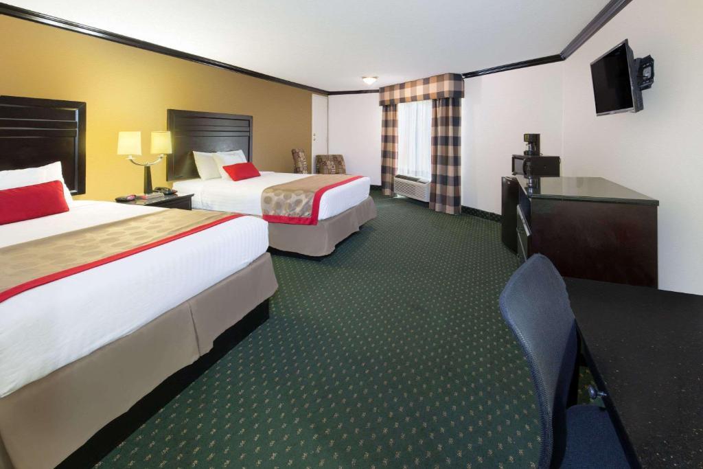 Hotel Ramada By Wyndham Ontario Ca