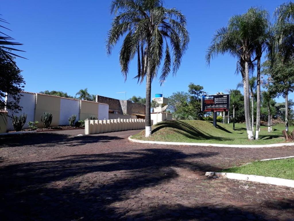 Um jardim em Motel Prive