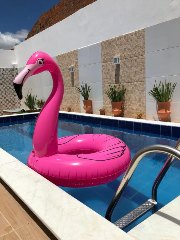 The swimming pool at or close to Pousada Bonita