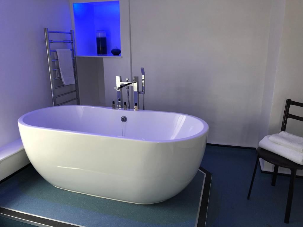 A bathroom at The Flying Horse Inn