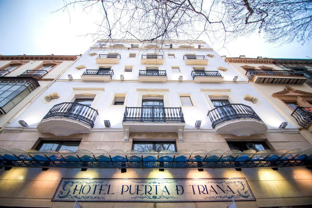 Hotel Petit Palace Puerta de Triana (España Sevilla ...