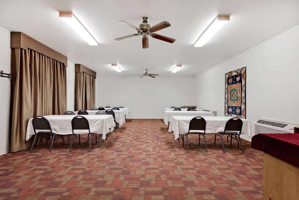 Days Inn - San Angelo