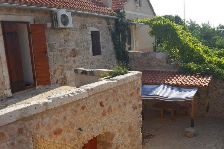 Holiday Home Vrbanj 11040