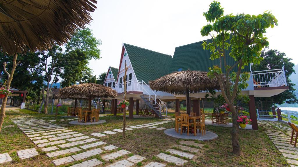 Bungalow Riêng Với Ban Công Và Tầm Nhìn Ra Vườn