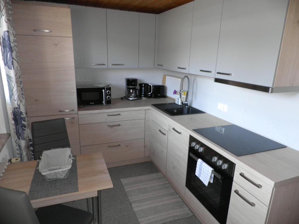 Köök või kööginurk majutusasutuses Haus Glätzle