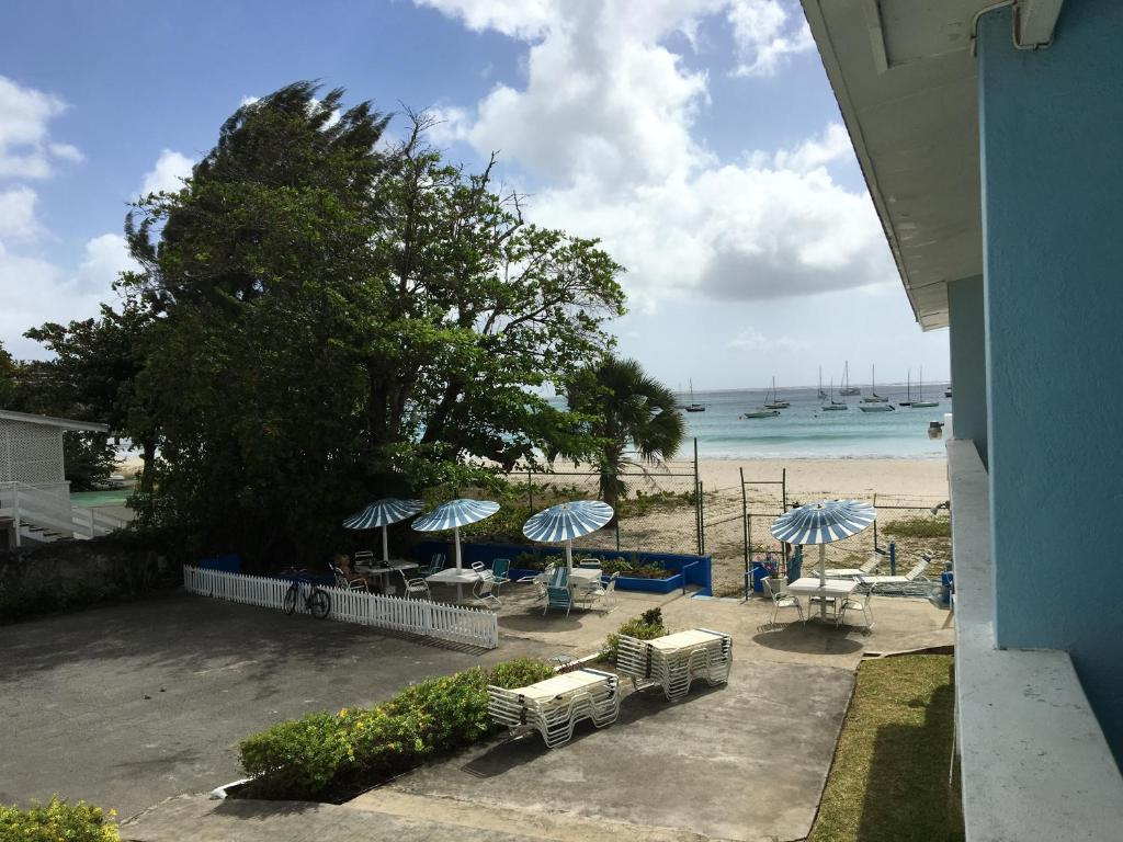 A view of the pool at Nautilus Beach Apartments or nearby