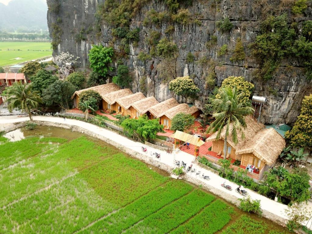 Uma vista aérea de Tam Coc Horizon Bungalow
