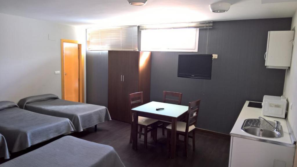 Pension Hostal T4 (Spanje Paracuellos de Jarama) - Booking.com