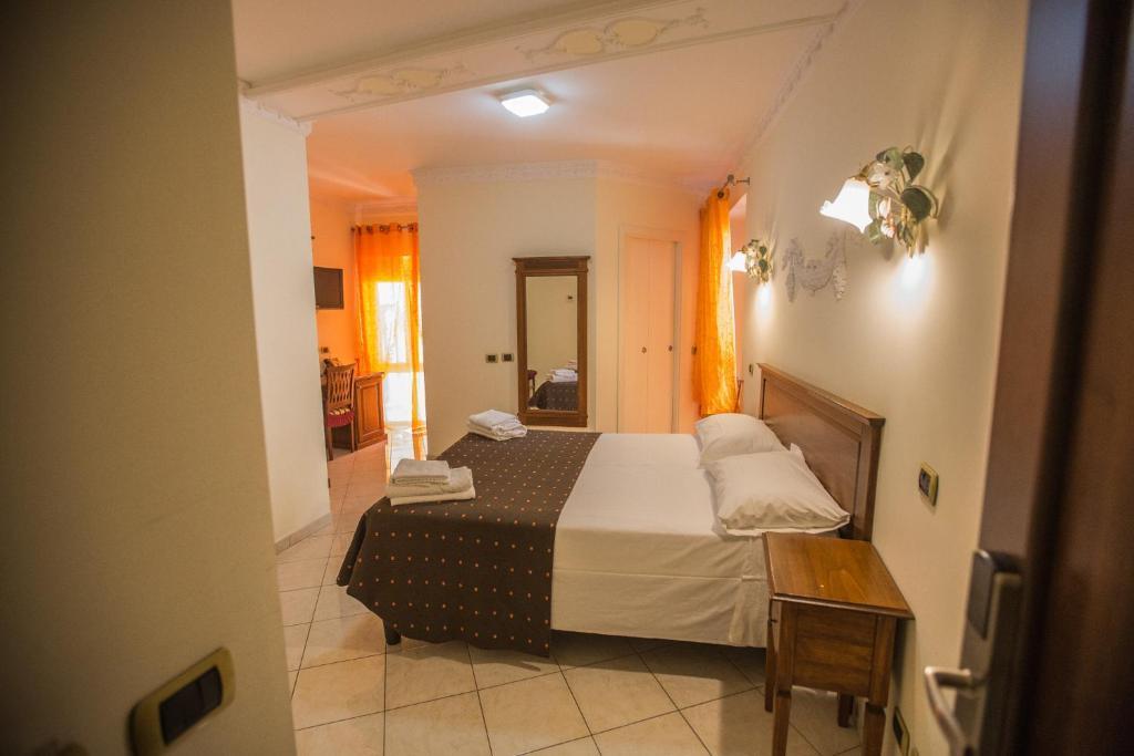 Cama o camas de una habitación en Hotel De Monti
