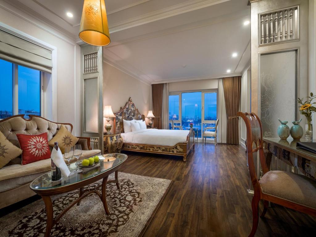 Suite Damsel Nhìn Ra Hồ
