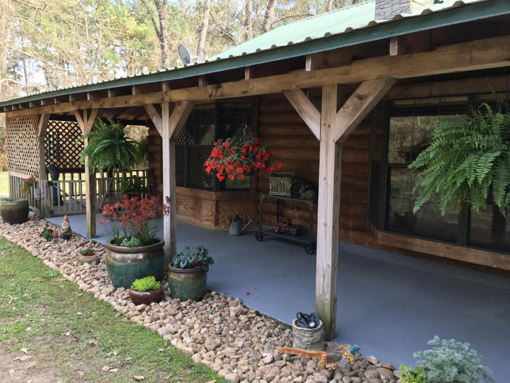 Red Caboose Farm Bed & Breakfast