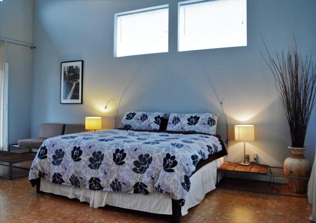 Un ou plusieurs lits dans un hébergement de l'établissement Modern B & B