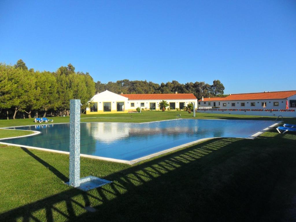 Piscine de l'établissement Monte Carvalhal da Rocha ou située à proximité