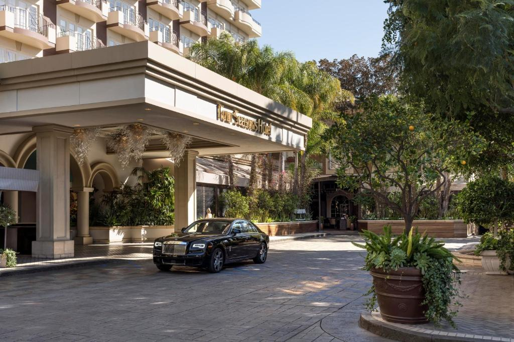Four Seasons Hotel Los Angeles at Beverly Hills.