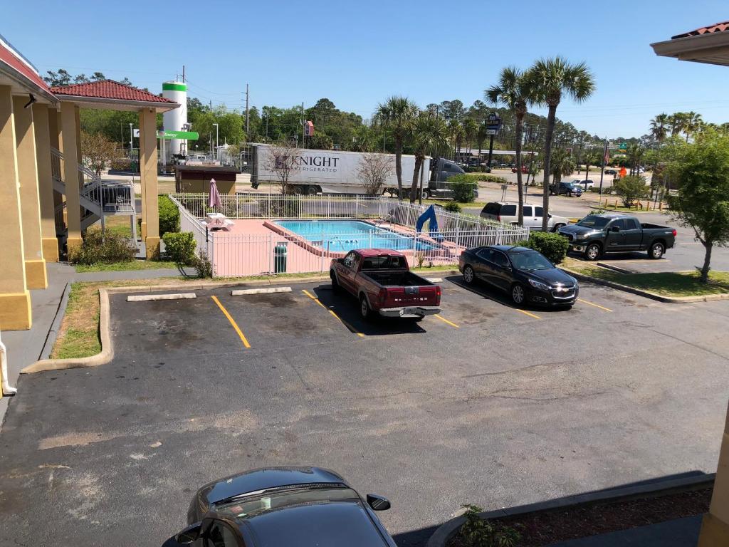 Knights Inn Jacksonville Downtown