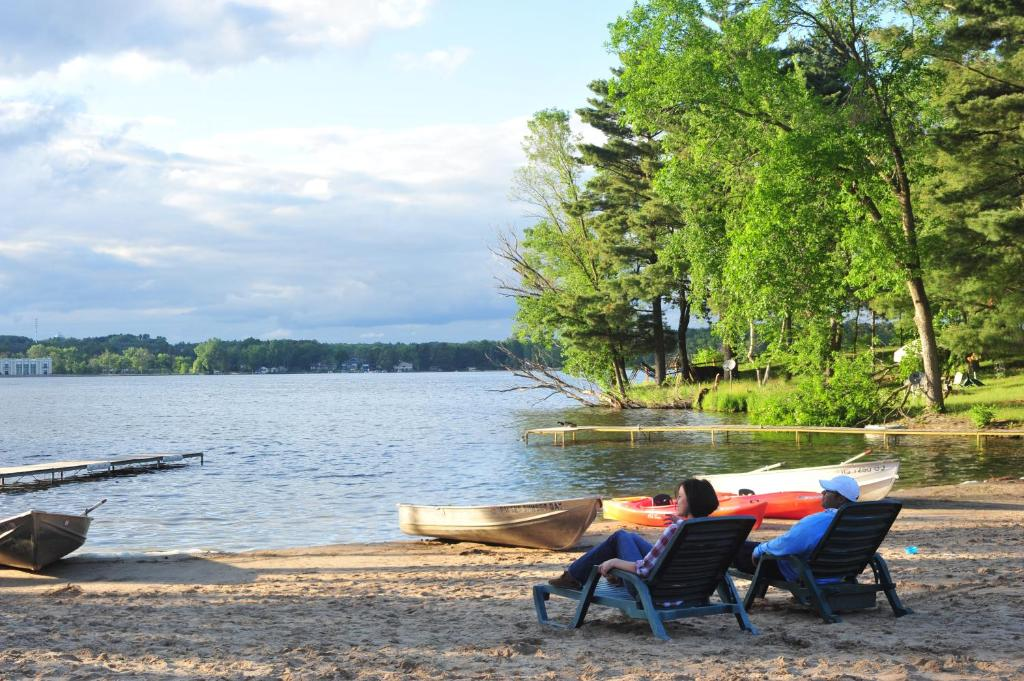 Bakers Sunset Bay Resort Wisconsin Dells Wi Booking Com